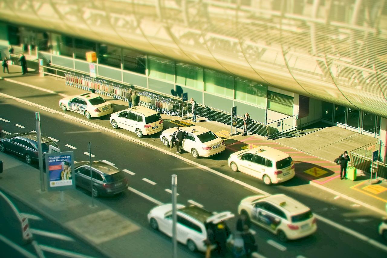 Réserver un taxi à l'aéroport de Beauvais